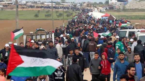 """للمشاركة بجمعة """"المقاومة خيارنا"""".. بدء توافد المواطنين لمخيمات العودة شرق القطاع"""