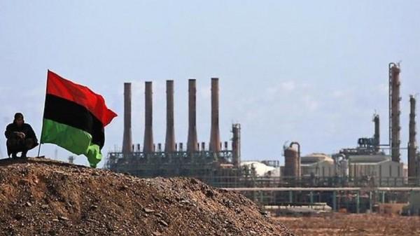 تقرير يكشف عملية نهب مُنظم للنفط الليبي