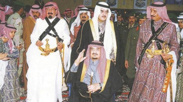شاهد: فيديو نادر للملك فهد: سلمان سيدخل السعودية في مطبات