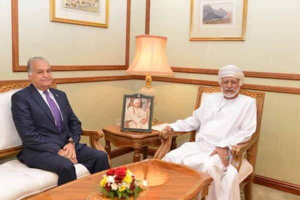 السفير د. تيسير جرادات يقدم نسخة عن أوراق اعتماده للخارجية العُمانية