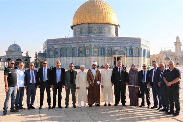 غيث يلتقي والي بنك المغرب في القدس ويدعو للانفكاك من هينمة الاحتلال