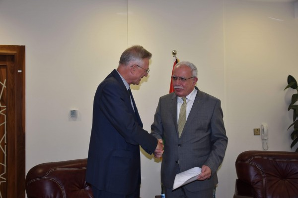 المالكي يتسلم أوراق اعتماد السفير الألماني الجديد لدى دولة فلسطين