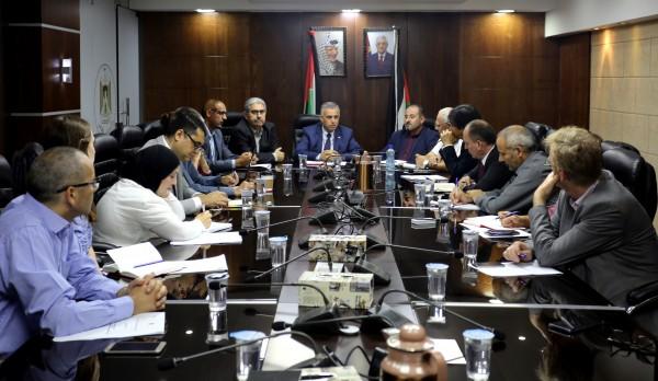 الأعرج يبحث مع بعثة البنك الدولي مشاريع تحسين الخدمات المحلية