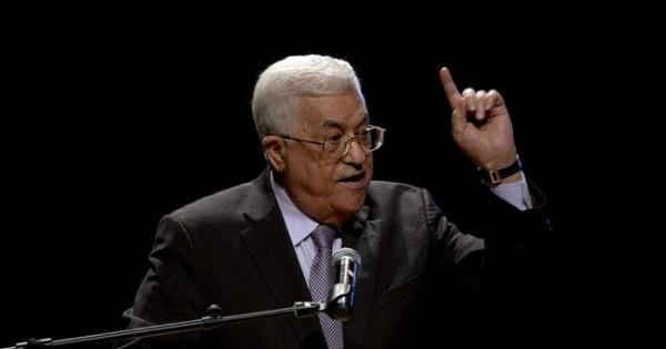 الرئيس عباس يصل باريس في زيارة رسمية