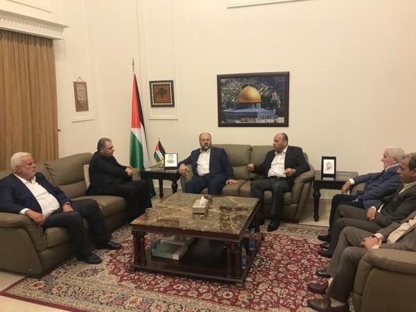 فتح وحماس تتفقان على إبعاد مخيمات لبنان عن ملف الانقسام