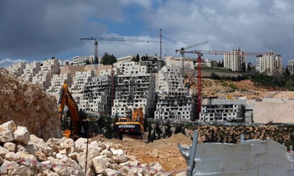 سلطات الاحتلال تبدأ ببناء حي جديد في مستوطنة (بيت إيل)