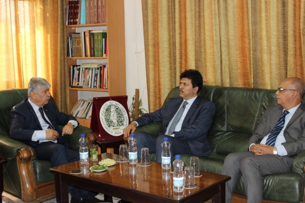 مجدلاني يضع سفيري المغرب وتونس بصورة آخر المستجدات السياسية