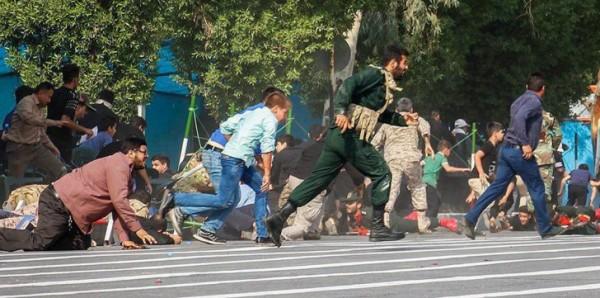 """فيديو: """"تنظيم الدولة"""" يبث تسجيلا لثلاثة من منفذي هجوم """"الأحواز"""""""