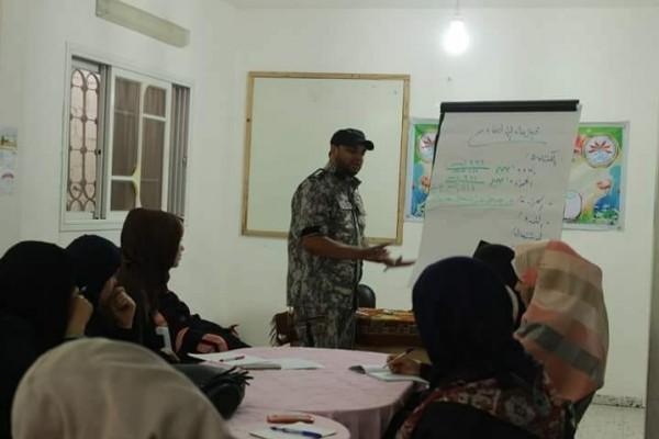 الدفاع المدني يفتتح دورة في علومه بالتعاون مع جمعية نسائم الأمل بخانيونس