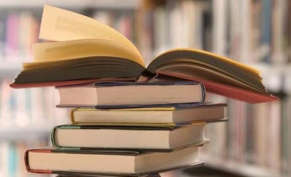 احتجاجات ضد الرقابة ومنع آلاف الكتب في الكويت