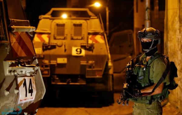 فجرًا.. قوات الاحتلال تُداهم عددًا من مناطق الضفة والقدس