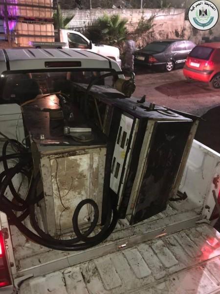 الضابطة الجمركية تُغلق نقطتين للوقود المغشوش في قرى رام الله