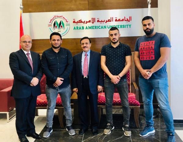 رئيس مجلس إدارة الجامعة العربية الامريكية يلتقي مع مجلس طلبتها