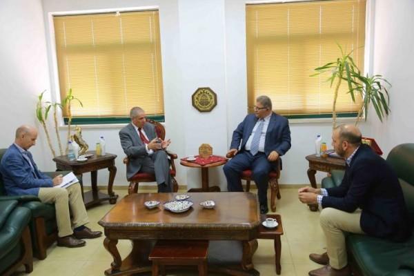 رئيس جامعة القدس يستقبل ممثل الاتحاد الأوروبي في فلسطين تعزيزاً للتعاون