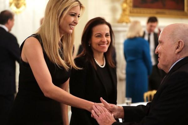"""يد إيفانكا اليمنى.. تعرفوا على """"المصرية"""" التى رشحها ترامب لخلافة هايلي"""