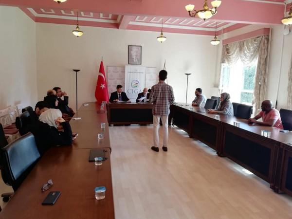 أكاديمية دراسات اللاجئين تعقد شراكة مع جامعة صباح الدين زعيم التركية