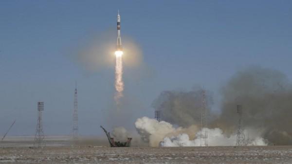 رائدا فضاء يهبطان بشكل اضطراري إلى الأرض بعد تعطل صاروخ روسي