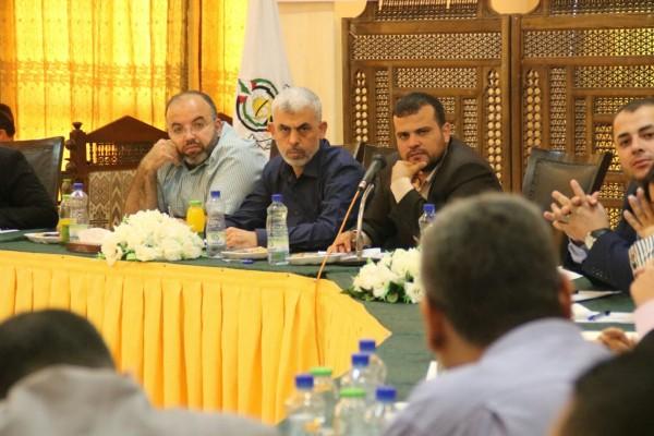 السنوار يلتقي وفدًا من الجبهة الديمقراطية بغزة.. ماذا ناقشوا؟