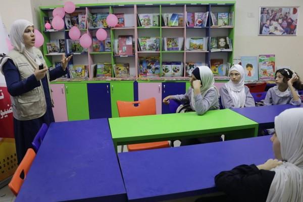"""خدمات الطفولة بغزة تفتتح مكتبة """"أصدقاء الطفولة"""""""