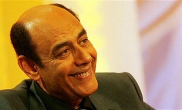أحمد بدير يثير الغضب بعد مداعبته فتاة لشابة مغربية ويعتذر لاحقاً
