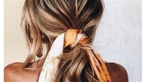 الـHair scarf تتربع على عرش موضة تسريحات شعر 2018