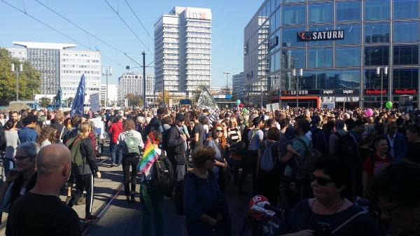 مسيرة ما يقارب الربع مليون في برلين... نعم للتعايش المشترك لا للإقصاء