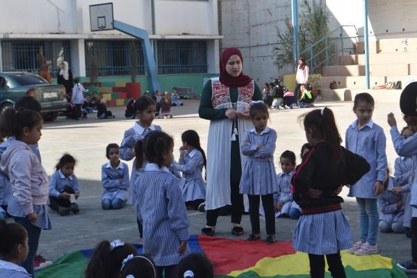 وحدة الإرشاد والدعم النفسي تنفذ نشاطات لطالبات مدرسة بلاطة الثانية