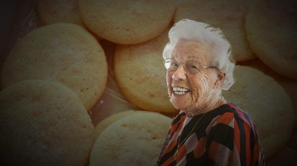 في كاليفورنيا.. صنعت الحلوى من جثة جدتها وقدمتها لزملائها