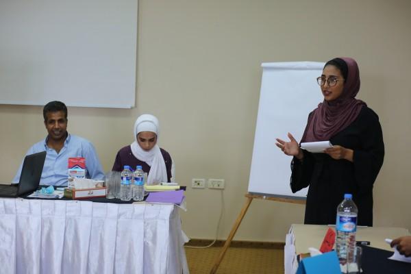 فلسطينيات تختتم تدريب المناظرات للموسم السادس