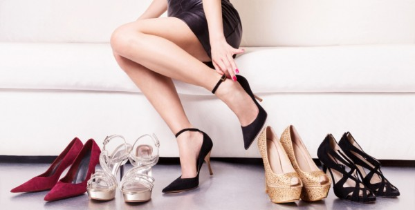 الأربطة تسيطر على صيحات أحذية الكعب العالي  9998917152