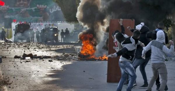 إصابات في مواجهات بين الشبان قوات الاحتلال بمحافظات الضفة