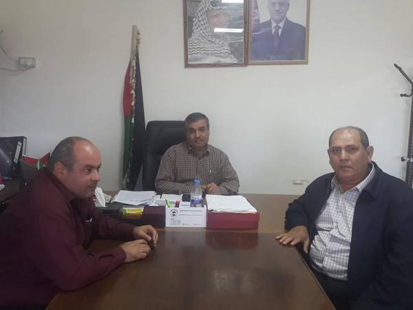 تربية قلقيلية تنّظم زيارات ميدانية لمكاتب تسوية الأراضي في المحافظة
