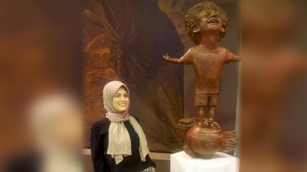 صاحبة تمثال (صلاح): أشعر بالحزن لكن لا ذنب لي بشكل التمثال النهائي