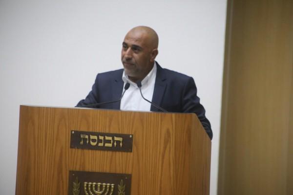 أبو عرار يطالب الحكومة بتحسين ظروف السجناء في السجون والمعتقلات