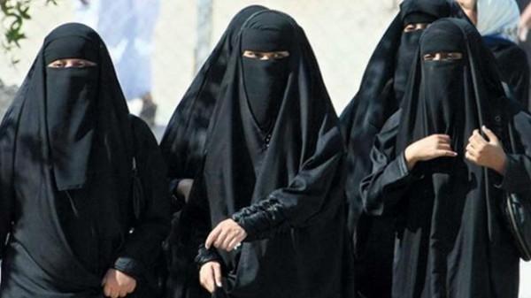 """شاهد: داعية مصري: النقاب ليس خطرًا على أمن مصر وإنما البلاطين """"المقطعة"""""""