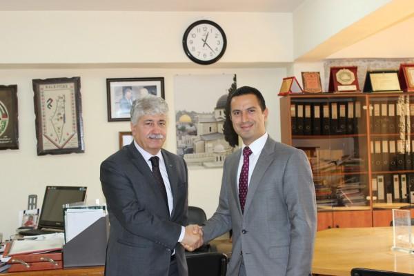 د.مجدلاني يلتقي القنصل التركي ويبحثان اخر المستجدات السياسية
