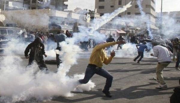 إصابات واعتقالات خلال مواجهات مع قوات الاحتلال في الضفة الغربية
