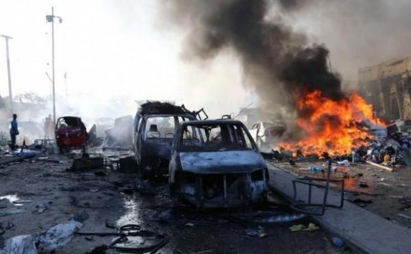 17 قتيلا جراء تفجير سيارتيْن ملغومتيْن في مقديشو