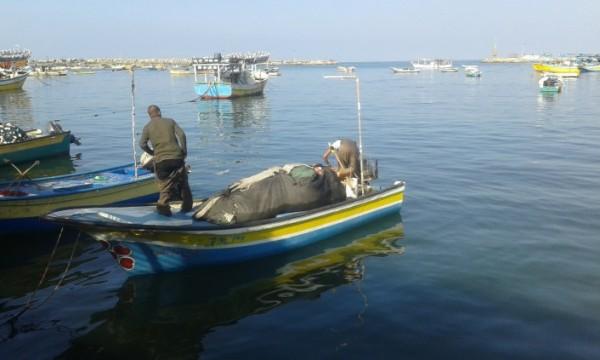 """""""الميزان"""" يستنكر القيود الجديدة على الصيادين بغزة ويطالب المجتمع الدولي بالتدخل"""