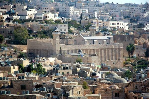 فتح تدعو إلى إعادة إسكان المنازل الفارغة في شارع الشهداء بالخليل