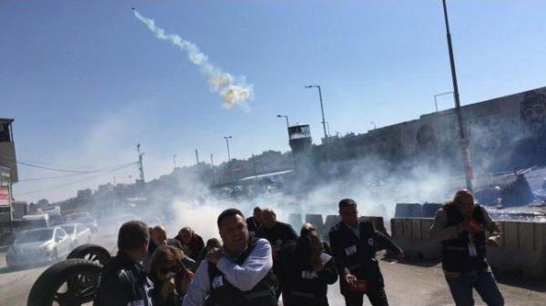 نقابة الصحفيين تدين اعتداء قوات الاحتلال على مسيرة الصحفيين الدولية