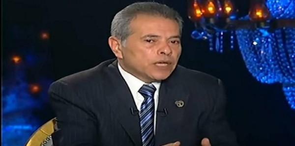 هل لديك فضول لمعرفة أسعار الحشيش والترمادول في مصر؟ توفيق عُكاشة استعرضها على الهواء!