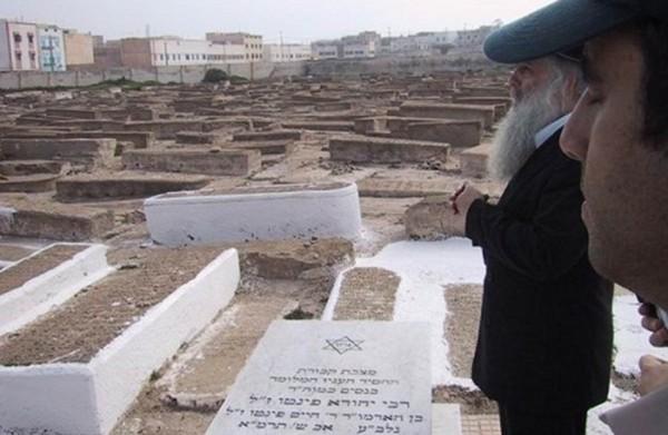 سابقة استثنائية.. حاخام يَدفن فلسطينياً مُتهماً بالخيانة في مقبرة يهودية