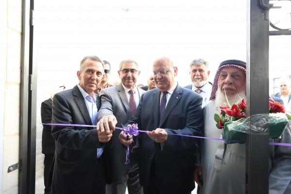الاحتفال بافتتاح مدرسة الأمل النموذجية في أريحا بتمويل من وزارة الحكم المحلي