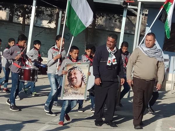 وقفة تضامنية مع محافظ القدس في مدرسة ذكور امريش الاساسية