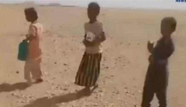 مؤثر: لحظة العثور على أطفال عطشى في صحراء بلد عربي