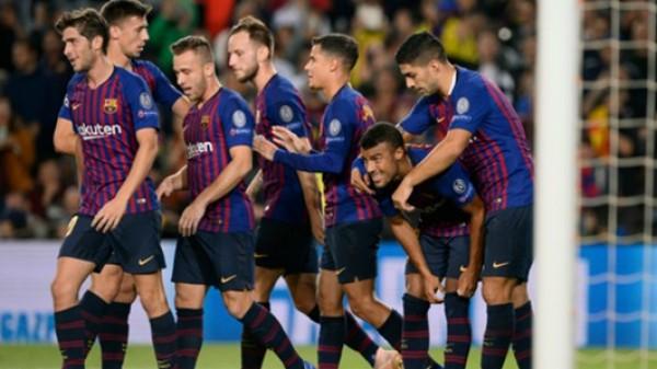 ضربة قوية: برشلونة يُؤكد غياب لاعبه رافينيا ستة أشهر