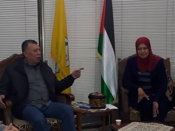 حلس يتسلم التقرير السنوي لدائرة الأشبال والزهرات بغزة