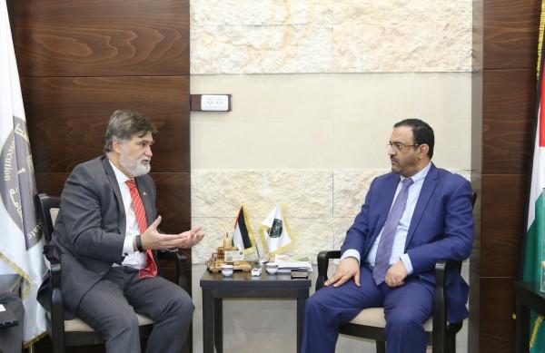 النائب العام وممثل كندا لدى فلسطين يبحثان تعزيز سيادة القانون