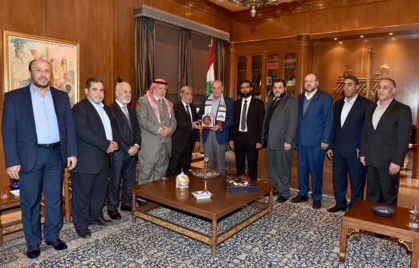 وفد حماس البرلماني يلتقي رئيس مجلس النواب اللبناني